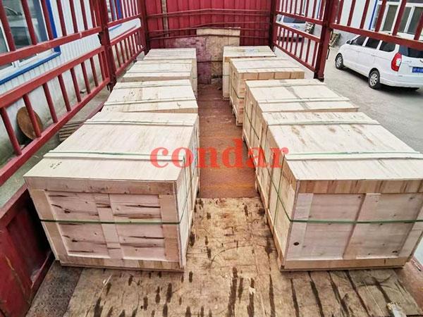 出口包装:木箱